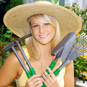 Gartenzubehoer fuer das Hochbeet nicht vergessen